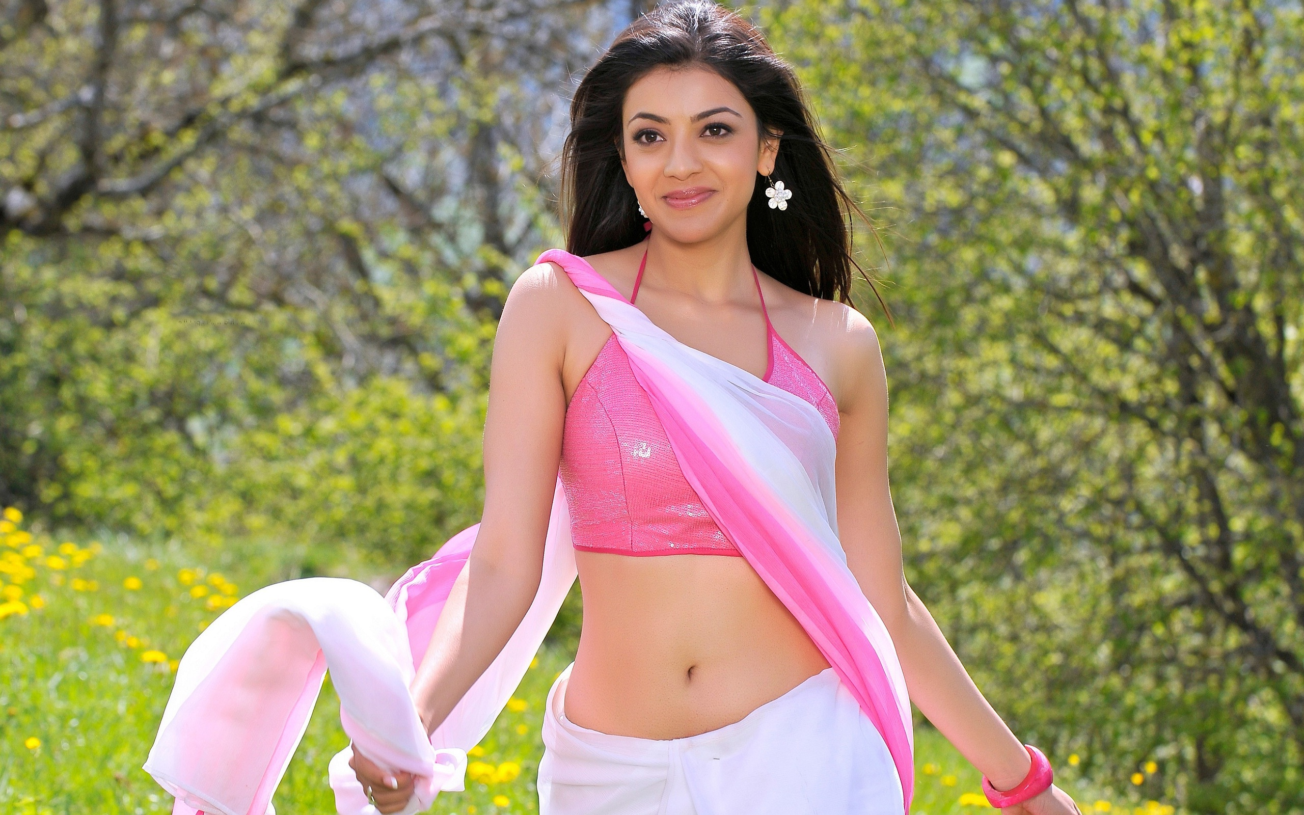 Hot bollywood actress in saree thecheapjerseys Images