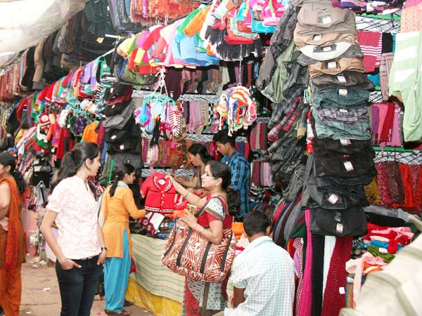 essay on online shopping in india Online shopping india - shop online for branded shoes, clothing & accessories in india   myntracom 68k views view upvoters soniya sen, online shopping is best compare to market shopping answered oct 12, 2015 author has 54 answers and 723k answer views.