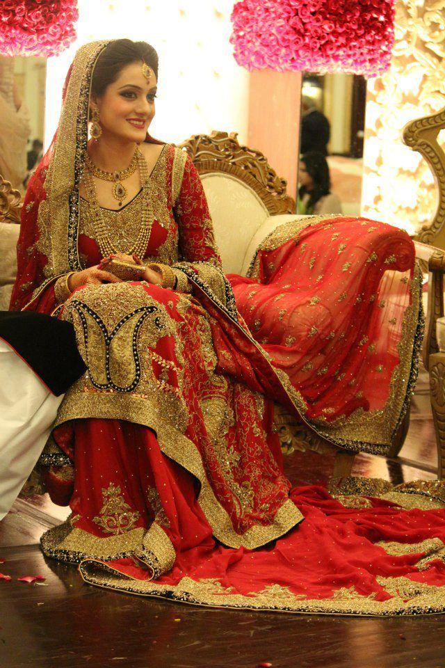 01882d5c62 Most Stunning Beautiful Bridal Lehengas. New Pakistani Bridal Dress