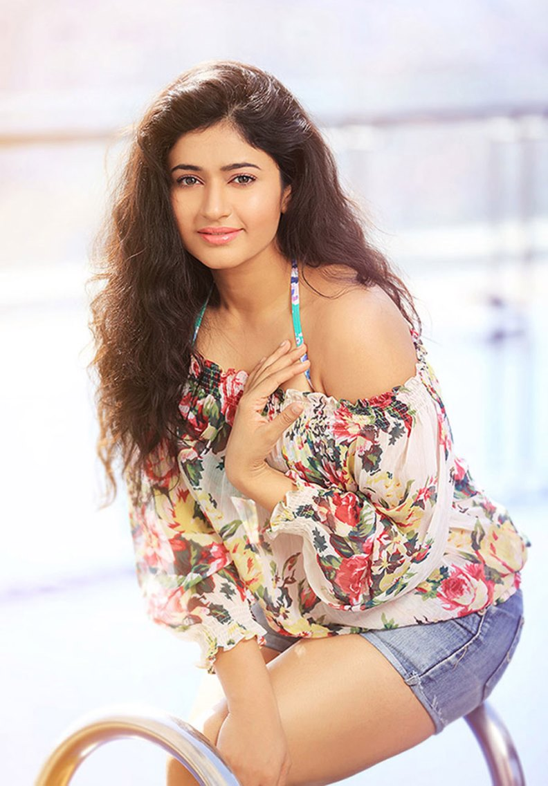 Poonam bajwa topless images photos and wallpapers welcomenri poonam bajwa topless images photos and wallpapers thecheapjerseys Choice Image