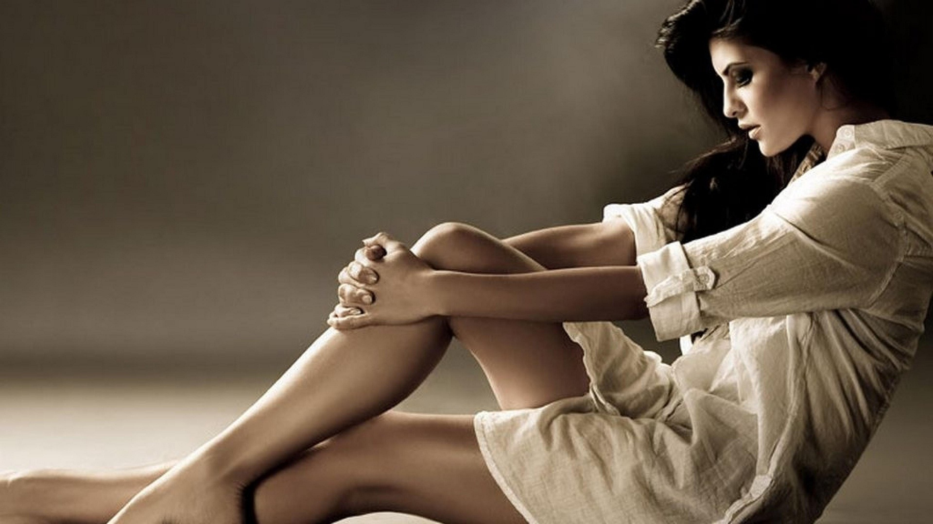 top 10 hottest legs in bollywood - hot legs of bollywood actress