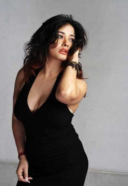 Kiran Rathod Big Boobs Hanging Deep Cleavage At Latest