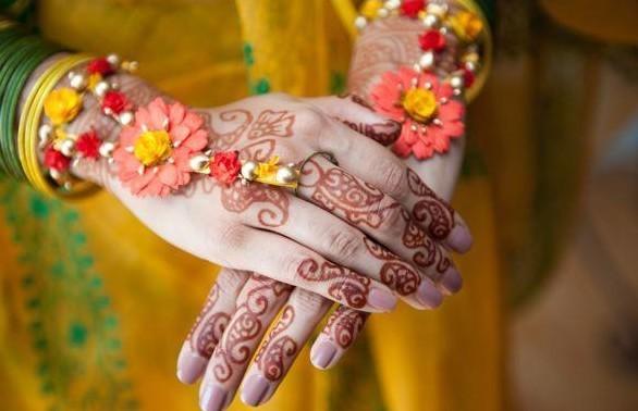 Flower Jewellery For Mehndi : Best beautiful flower jewellery designs for indian brides wedding