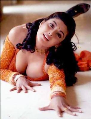 Hot desi actress boobs
