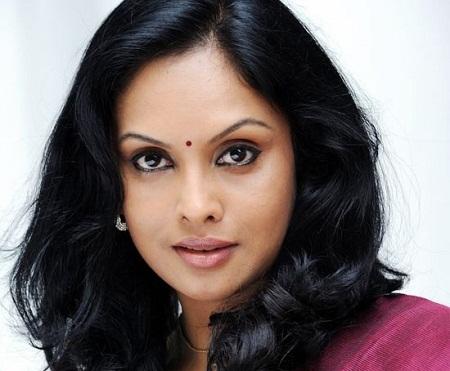 malayali mamanu vanakkam movie actress name kissing