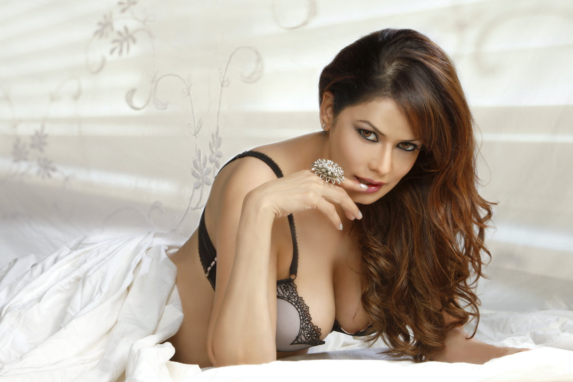 Bollywood Actresses In Bedsheets Hot And Exclusive