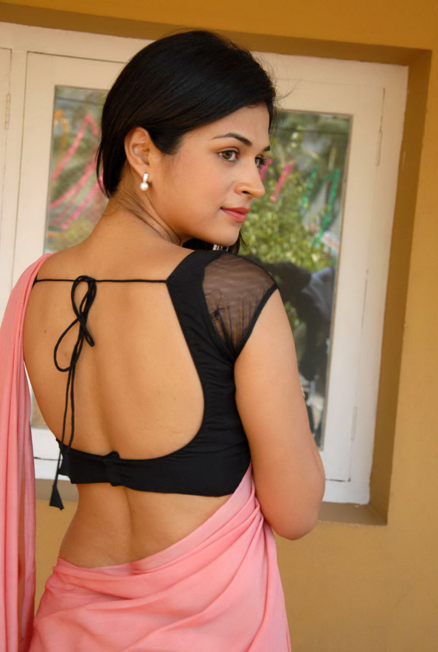 35e092124ff228 Bollywood actresses wearing sarees with backless blouses - Movie Forums