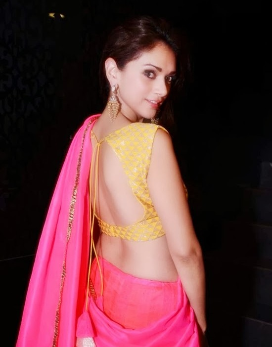Celebrities in designer backless blouses thecheapjerseys Gallery
