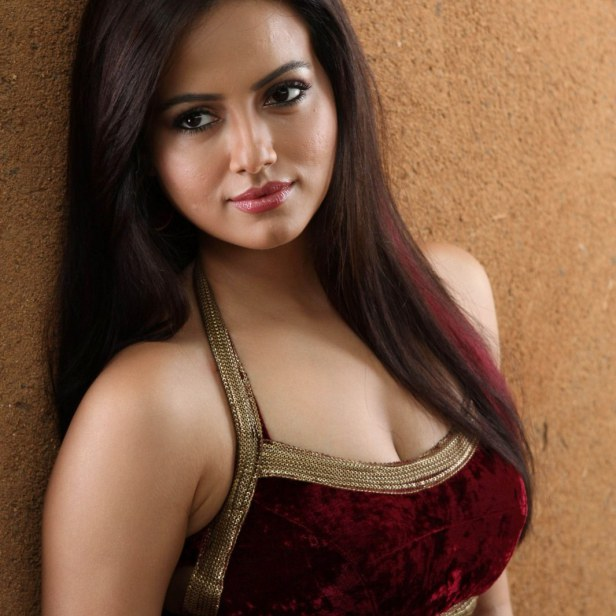 Hot Cleavages Of Bollywood Actress