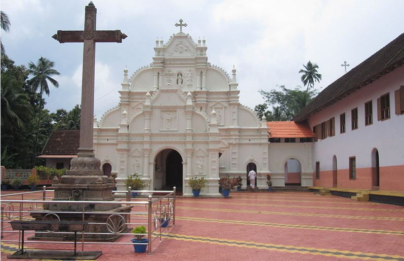 Oldest church in india which is the oldest church in for Religious buildings in india