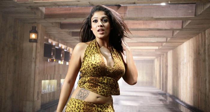 Nayanthara hot etotic movie scenes collection - 3 4