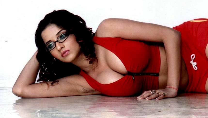 Bhojpuri Actress Monalisa Hot And Unseen Photos Welcomenri