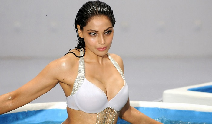 Actresses Sexiest 74